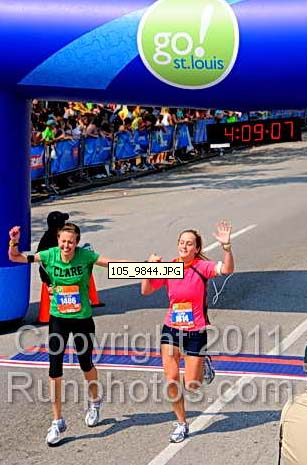 Marathon Finish St. Louis Run Clare Laura